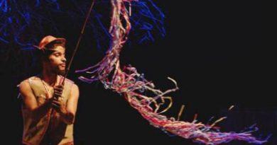 O Ator Marcos de Assis no espetáculo A Travessia do Grão Profundo Foto: Jaisilva