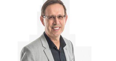 Fundador da rede Wizard ministra palestra sobre empreendedorismo em Salvador