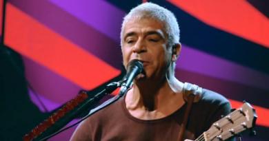Lulu Santos apresenta em Salvador o show Acústico MTV II