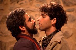 """O tempestuoso amor entre os poetas Rimbaud e Verlaine no espetáculo """"Pólvora e Poesia"""""""
