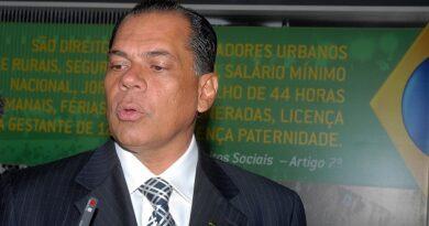 João Henrique derrota Carlismo em Salvador