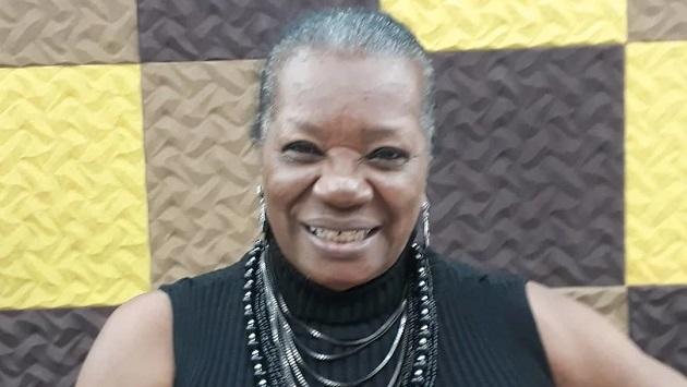 Atriz Neusa Borges recebe presencial Medalha de Mérito Cultural Cruz e Sousa